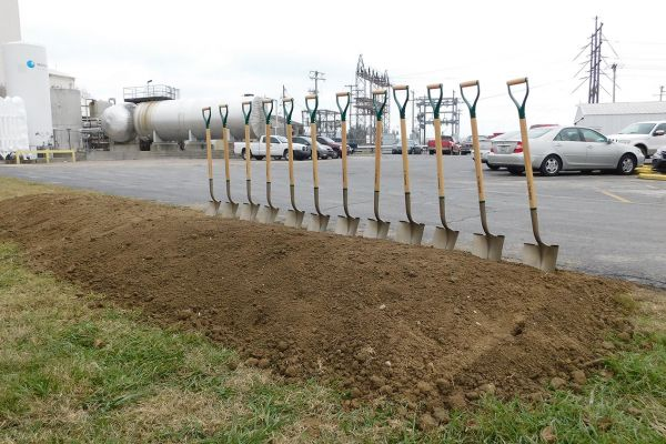shovels815B64A2-57CA-7A5C-947A-EE2F2504982F.jpg